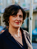 Christiane Hrasky